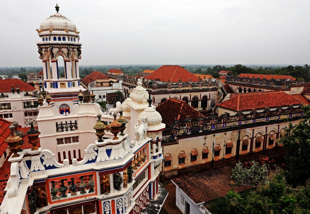 Roof top chhatri on Chidambara Vilas, and other mansions Chettinadu