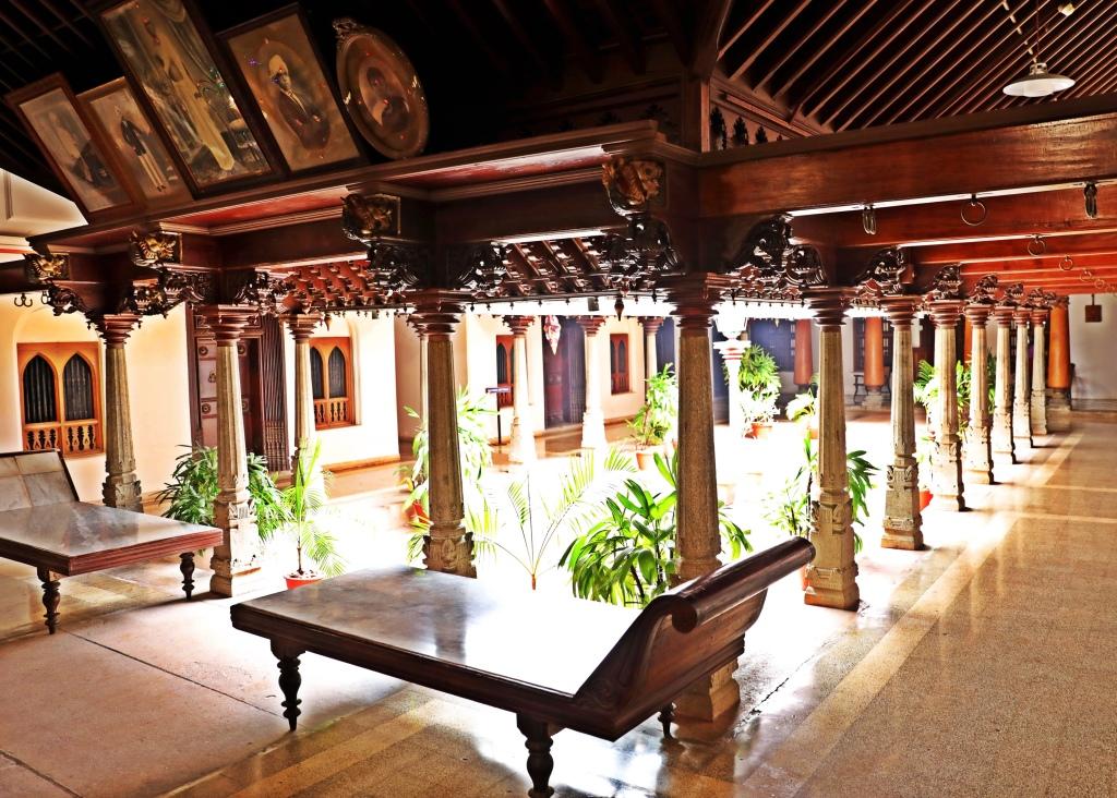 Foyer, Chidambara Vilas, Chettinadu