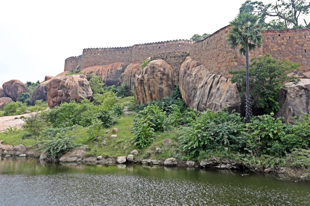 Fort walls, Tirumayam Fort, Chettinadu
