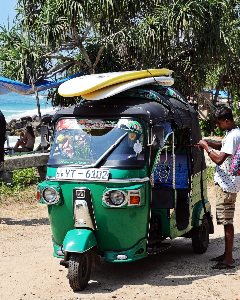 Surfboards on a tuk tuk, Midigama