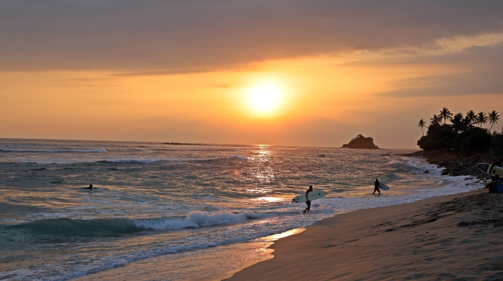 Sunset and surfers, Midigama beach