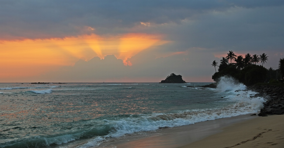 Sunset at Midigama beach