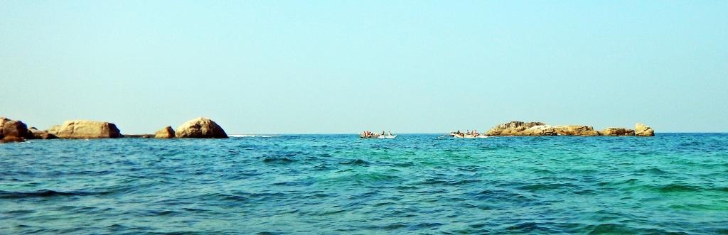 Snorkelers getting a ride, Hikkaduwa
