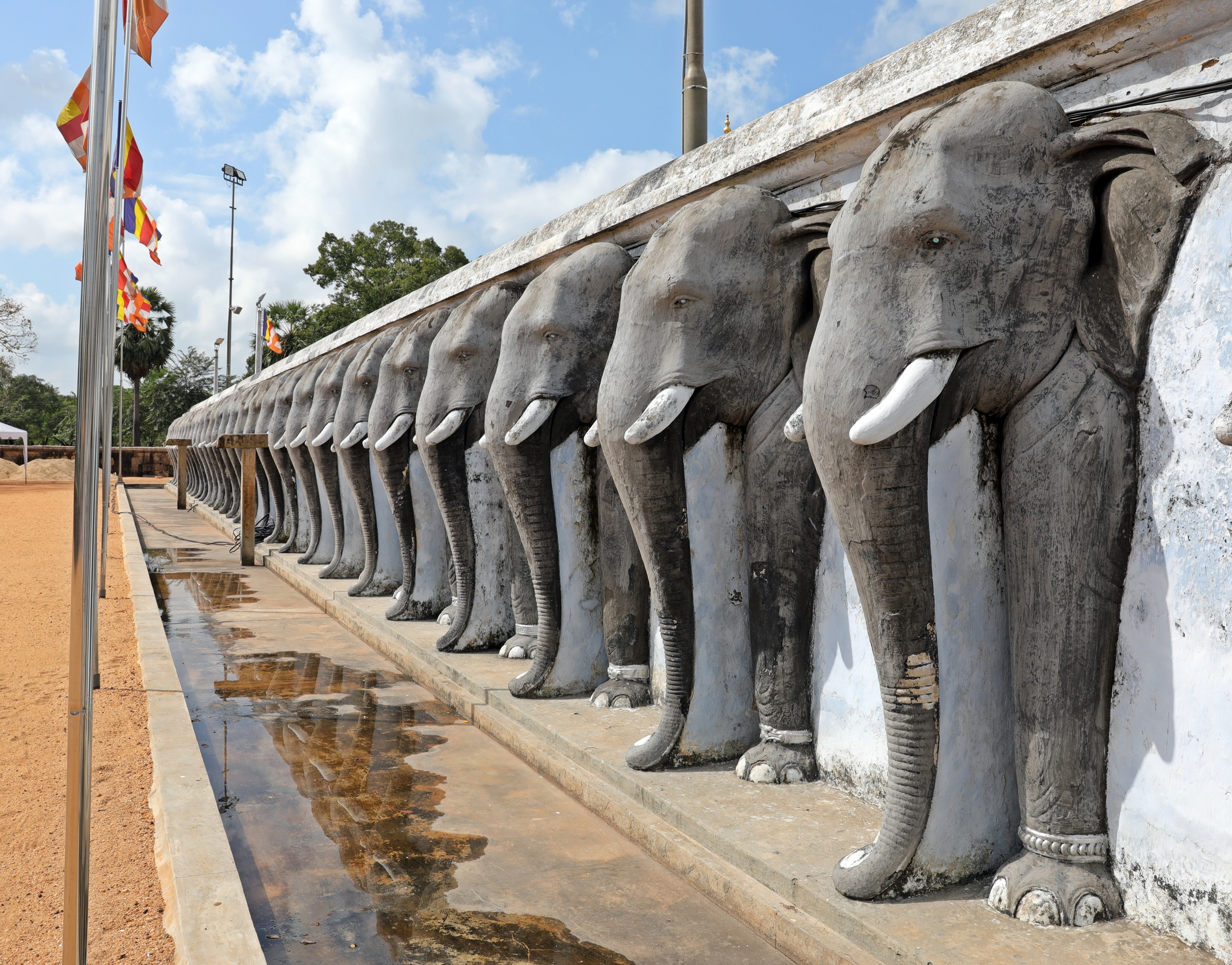 Elephant wall, Ruvanelraya Dagoba. Anuradhapura