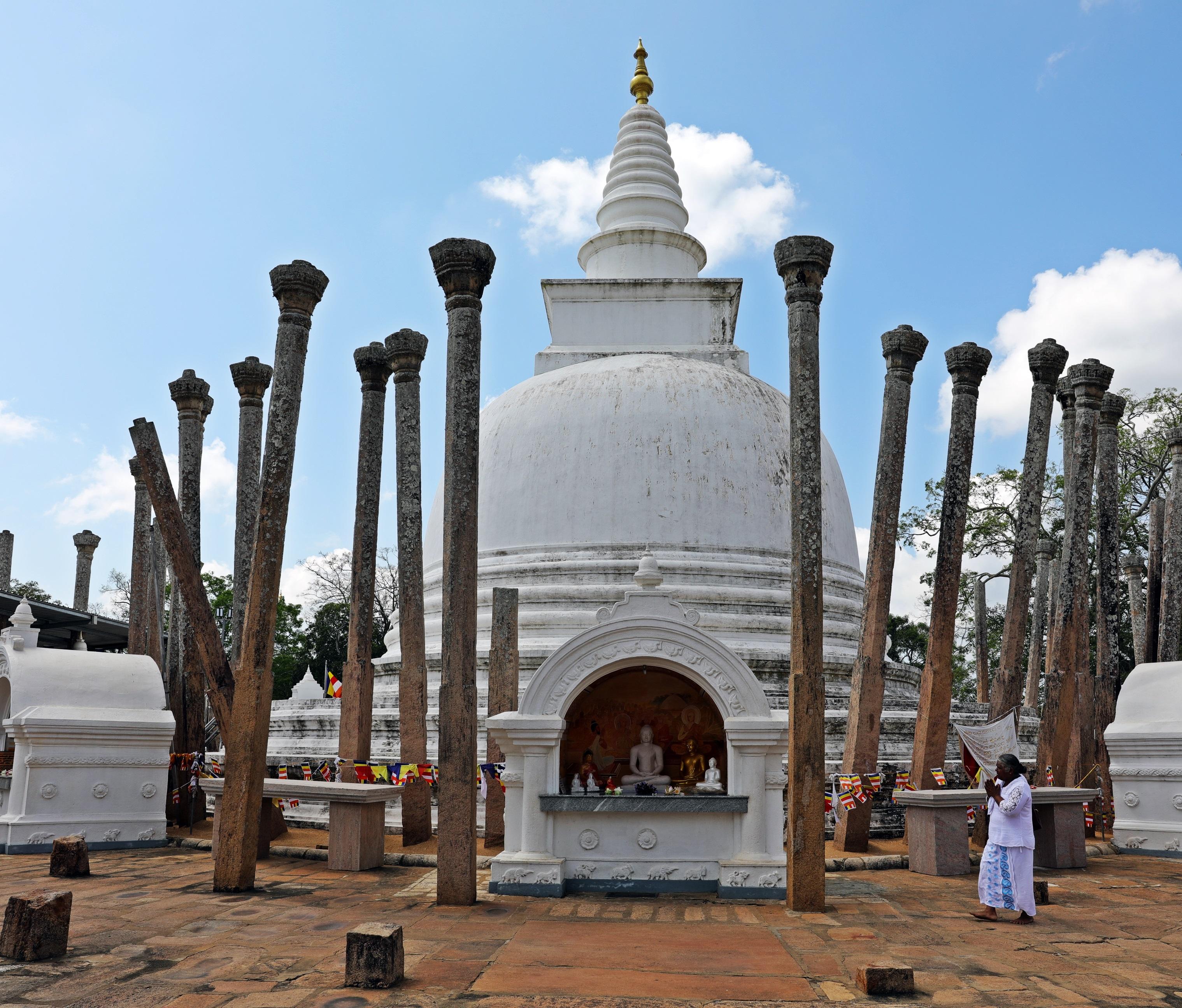 Thuparama Dagoba, Anuradhapura