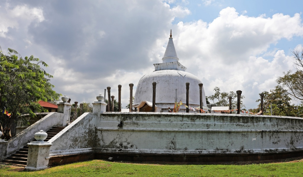 Lankarama Dagoba, Anuradhapura