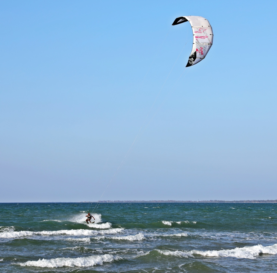 Kite surfer, Kalpitiya Beach