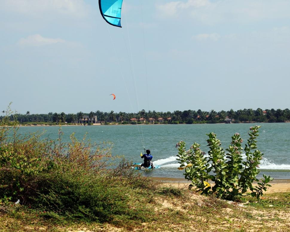 Kite surfer, Kalpitiya Lagoon