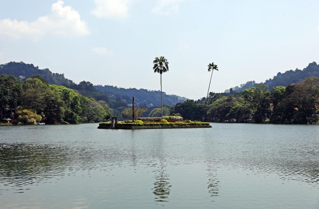 Harem Island, Kandy Lake