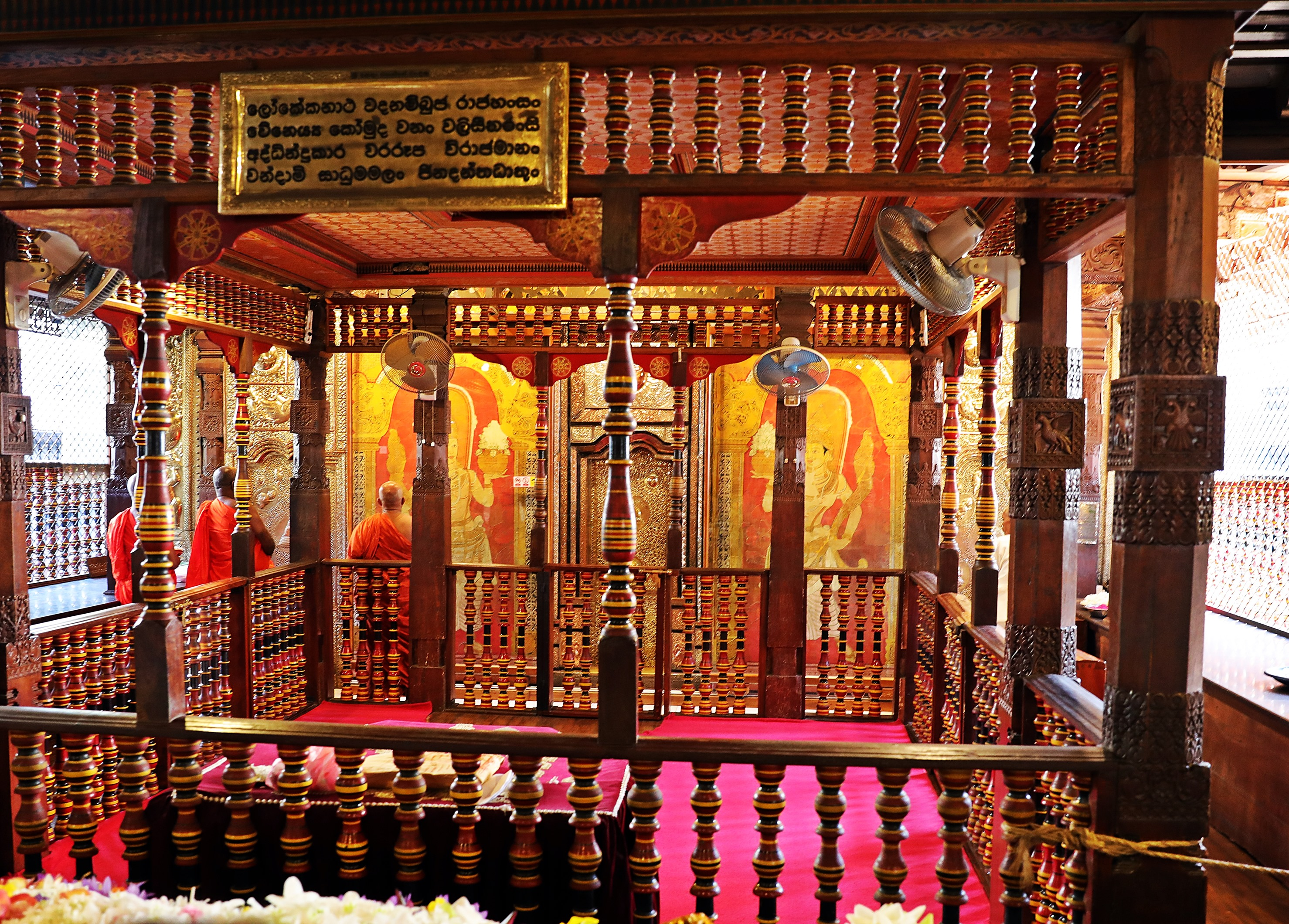 Golden doors, Monks, Temple of the Sacred Tooth Relic