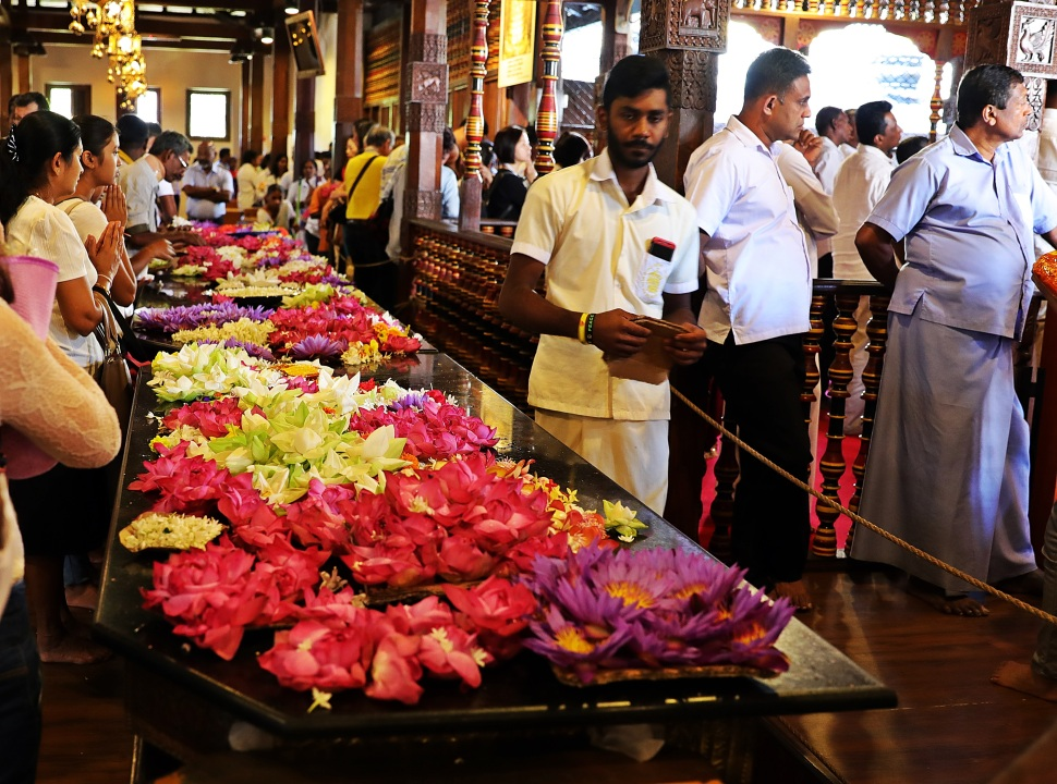 Pilgrims, Temple of the Sacred Tooth Relic