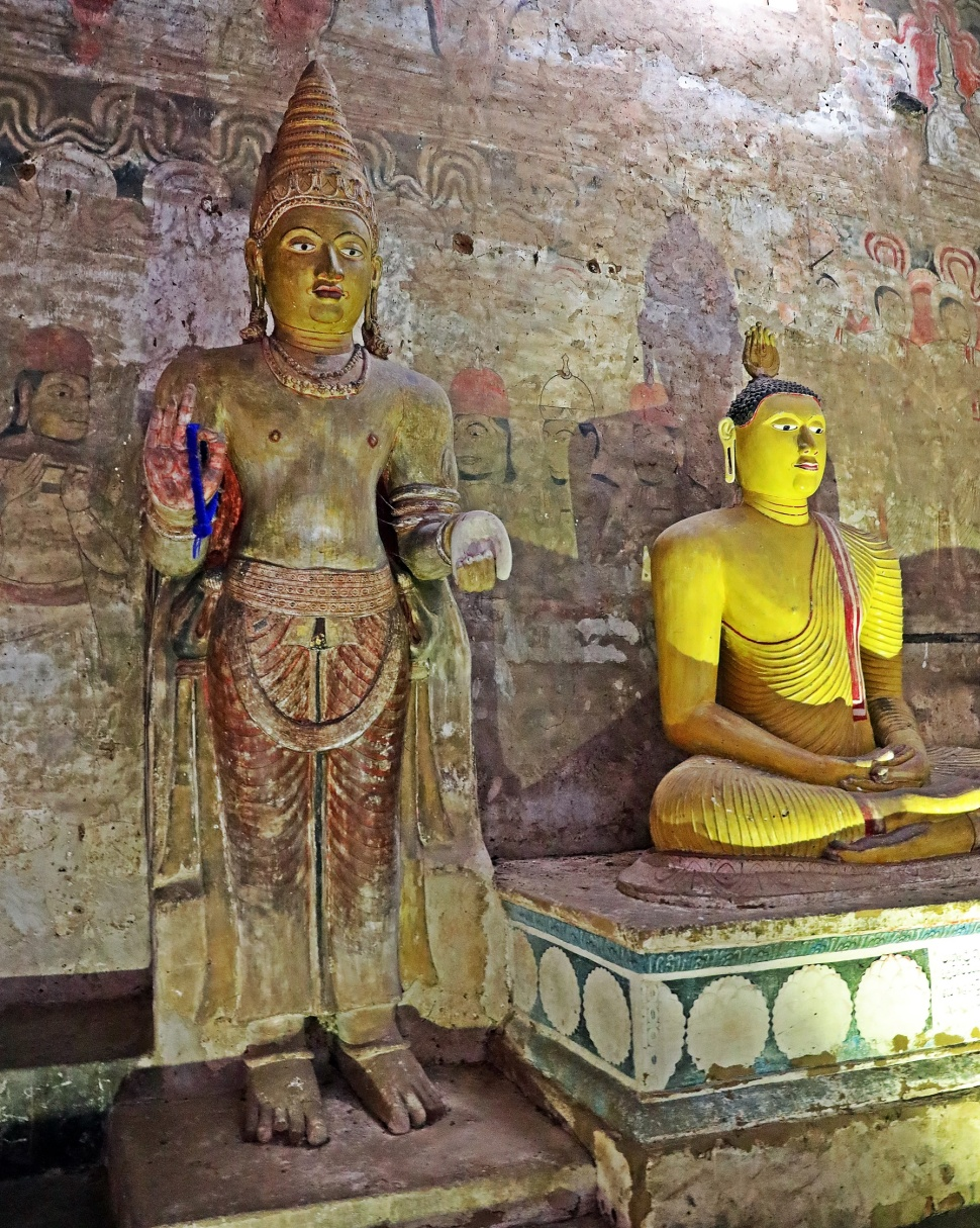 Statue of a king, Royal Rock Temples, Dambulla