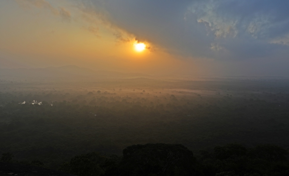 Sunrise with cloud forests below, Pidurangala Rock