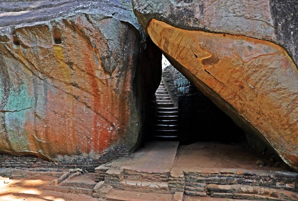 Arch, Boulder Garden, Sigiriya Rock