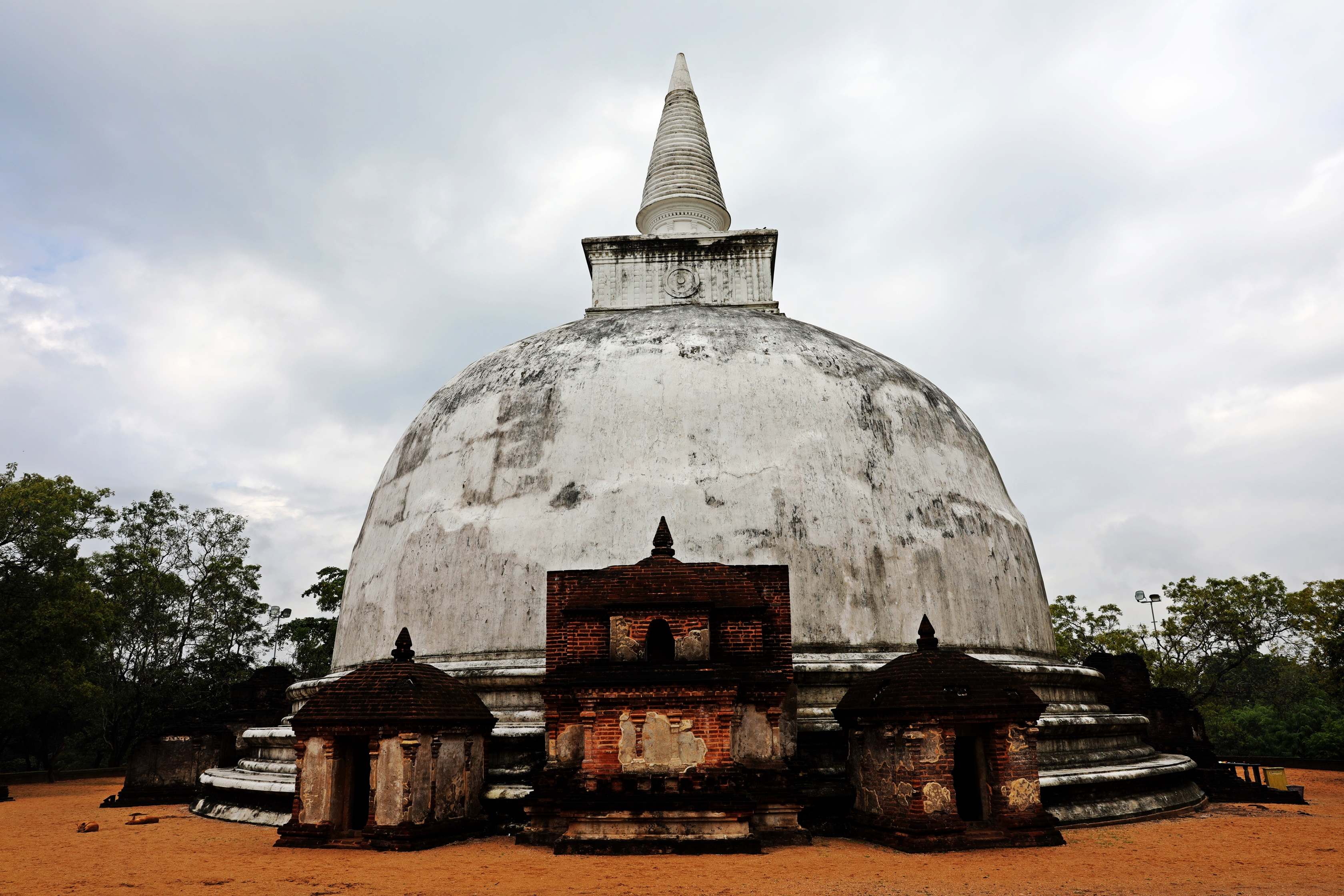 Kiri Vihara Dagoba, Polonnaruwa