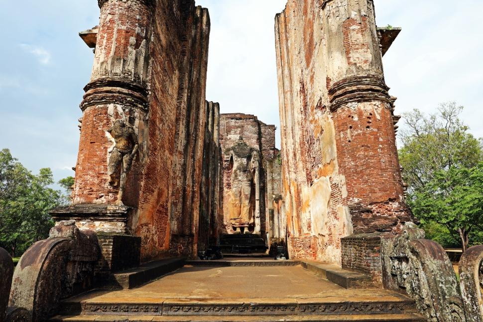 Headless Buddha,Lankatilaka, Polonnaruwa