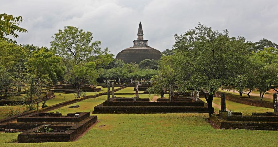 Rankot Vihara Dagoba, Polonnaruwa