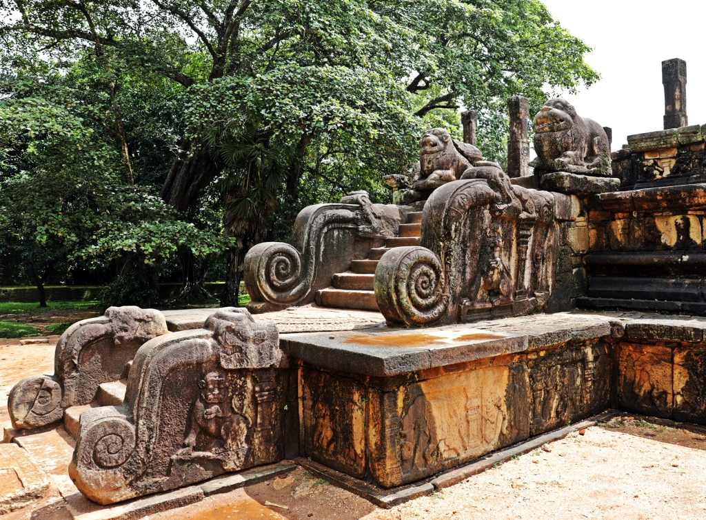 Lions at the entrance to Audience Hall, Polonnaruwa