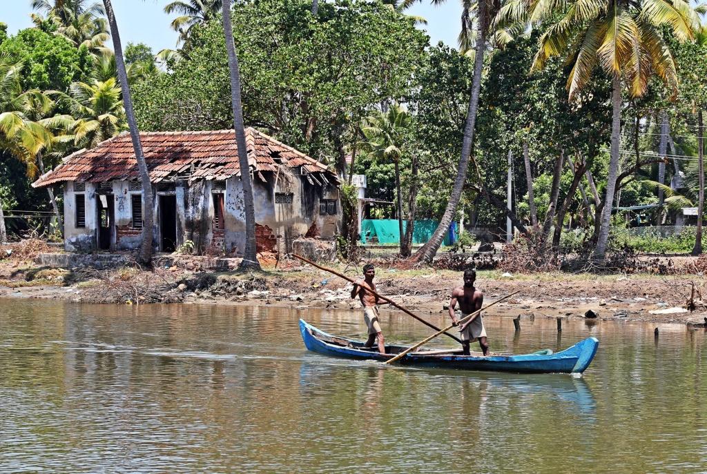 Fishermen, Kerala backwaters