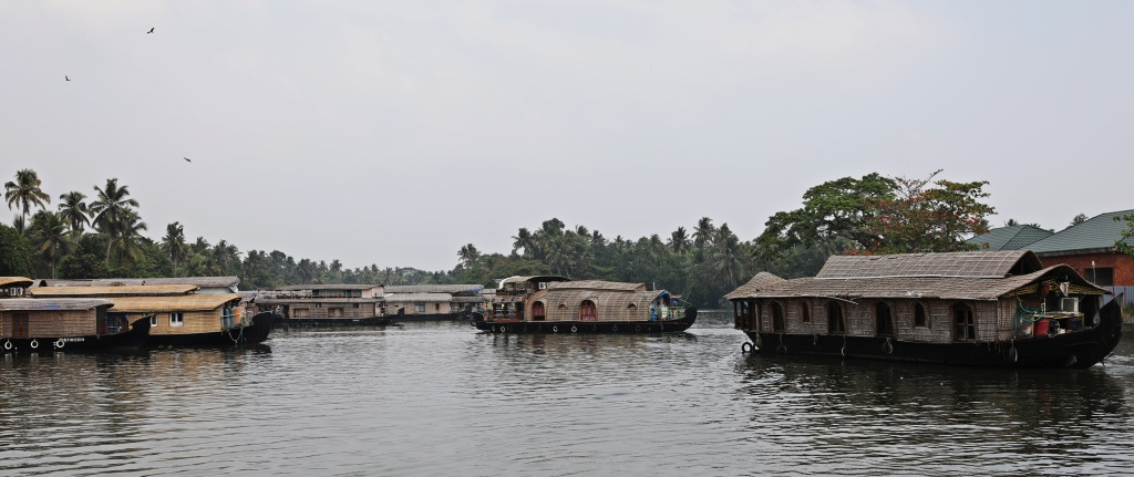 Houseboat traffic jam, Kerala backwaters