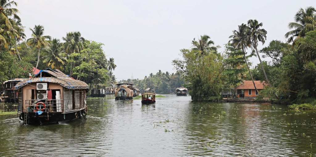 Houseboats and shikara, Kerala backwaters