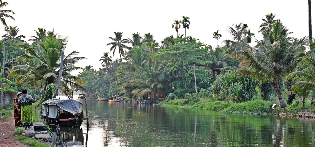 Women fishing on the Kerala backwaters