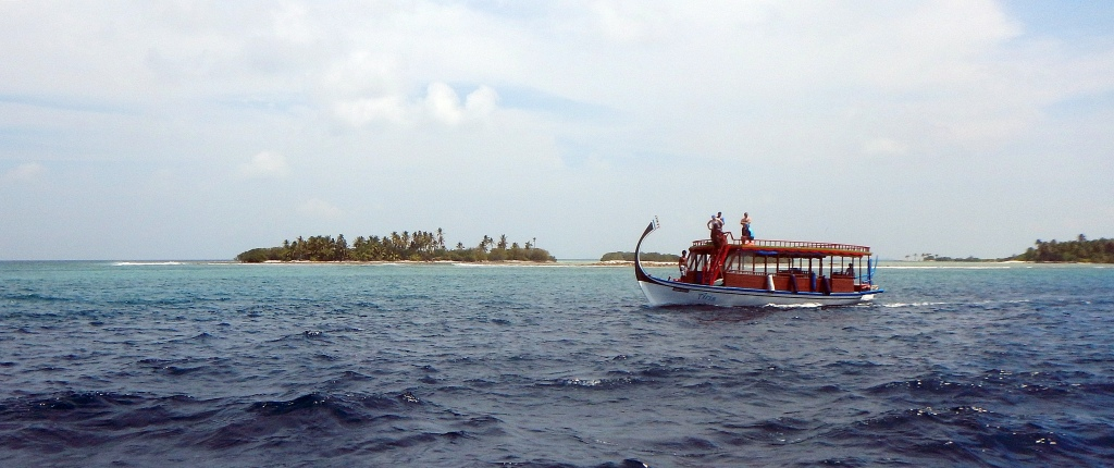 Traditional-style Dhoni boat), Maldives