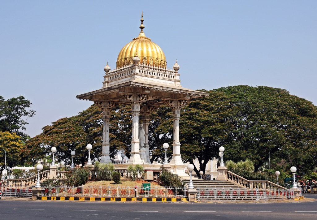 Traffic circle monument, Mysore