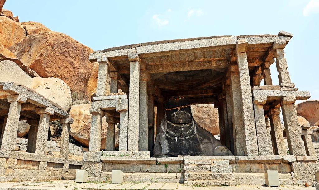 Nandi monolith, Hampi