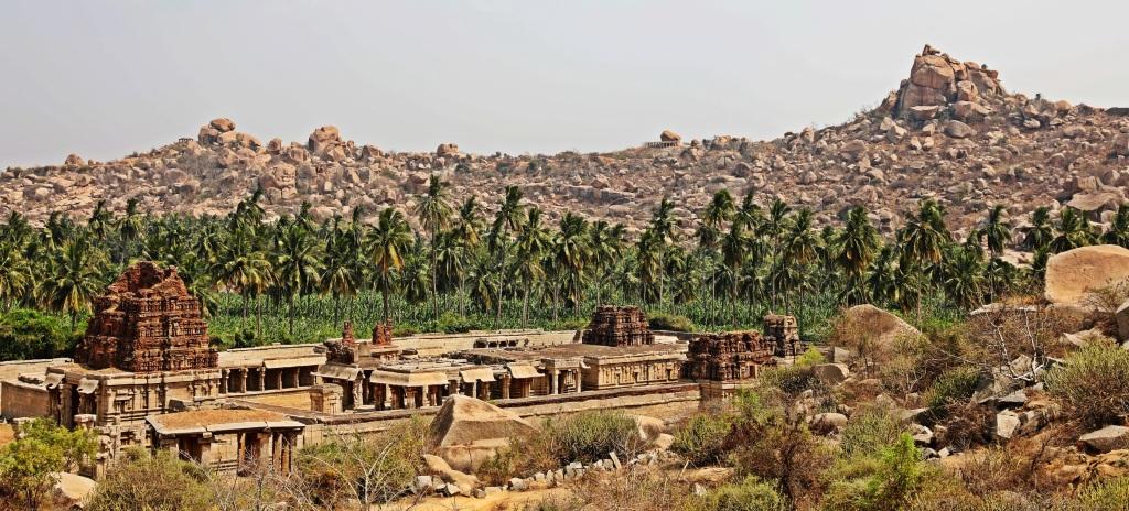 Achuytaraya Temple complex, Hampi