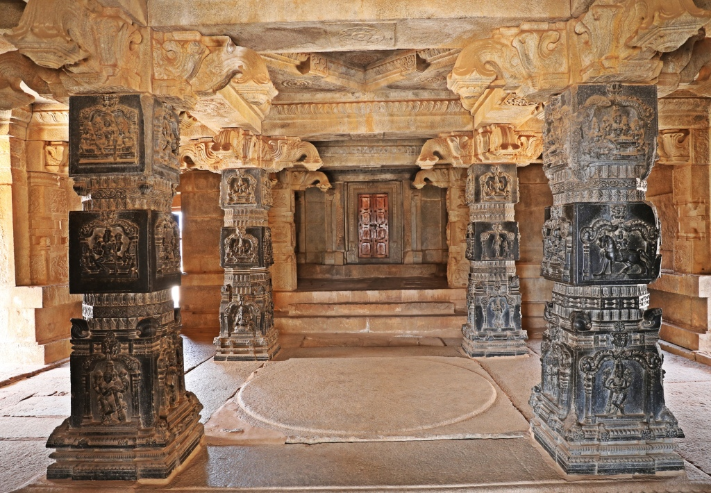 Black granite columns, Hazarama Temple, Hampi