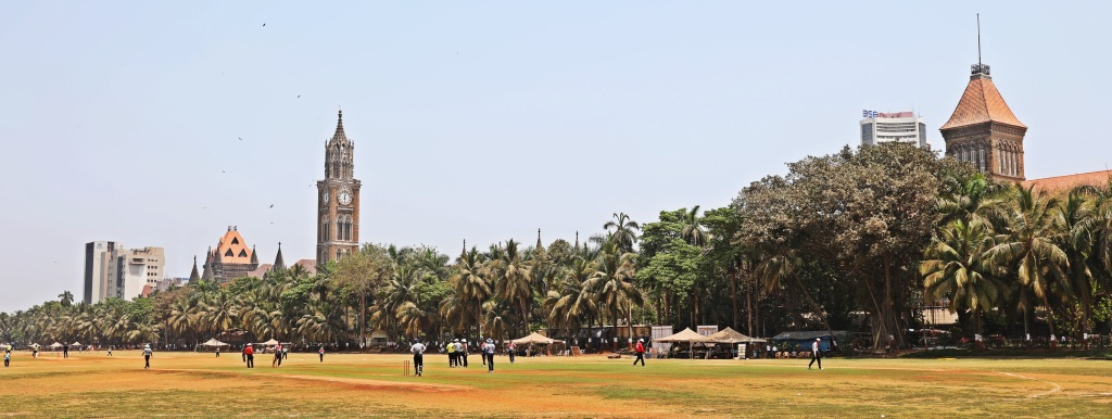Cricket game in front of High court and Rajabai Clock Tower