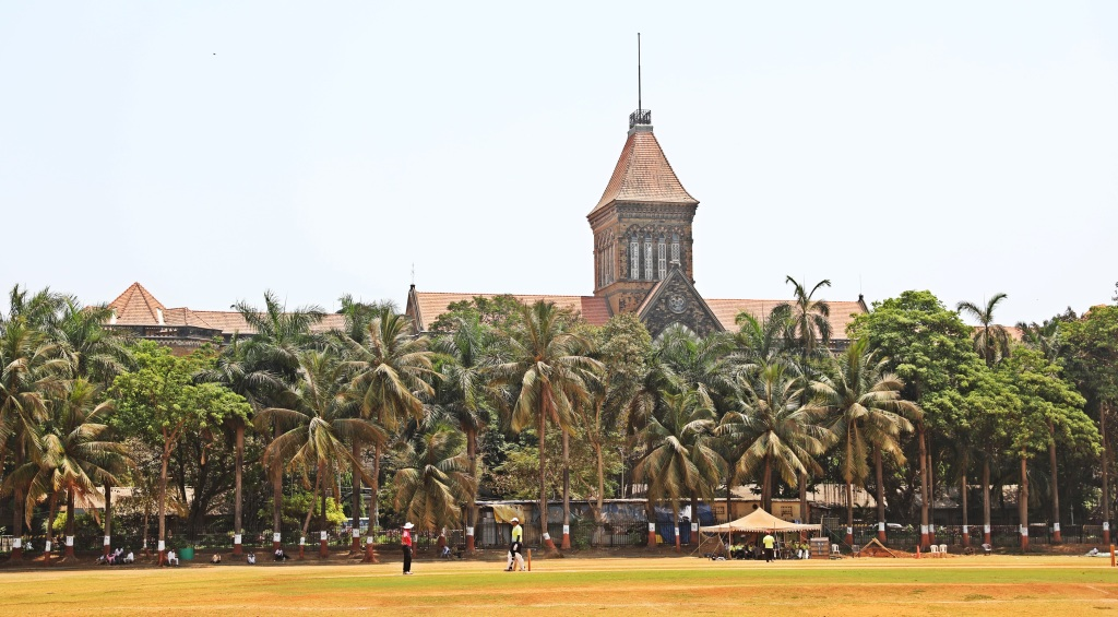 Cricket game in Oval Maidan Park, Mumbai