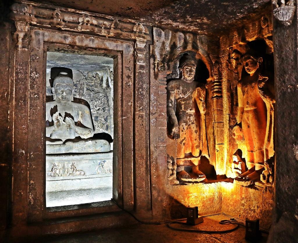 Buddhist and Bodhisattva statues, Ajanta