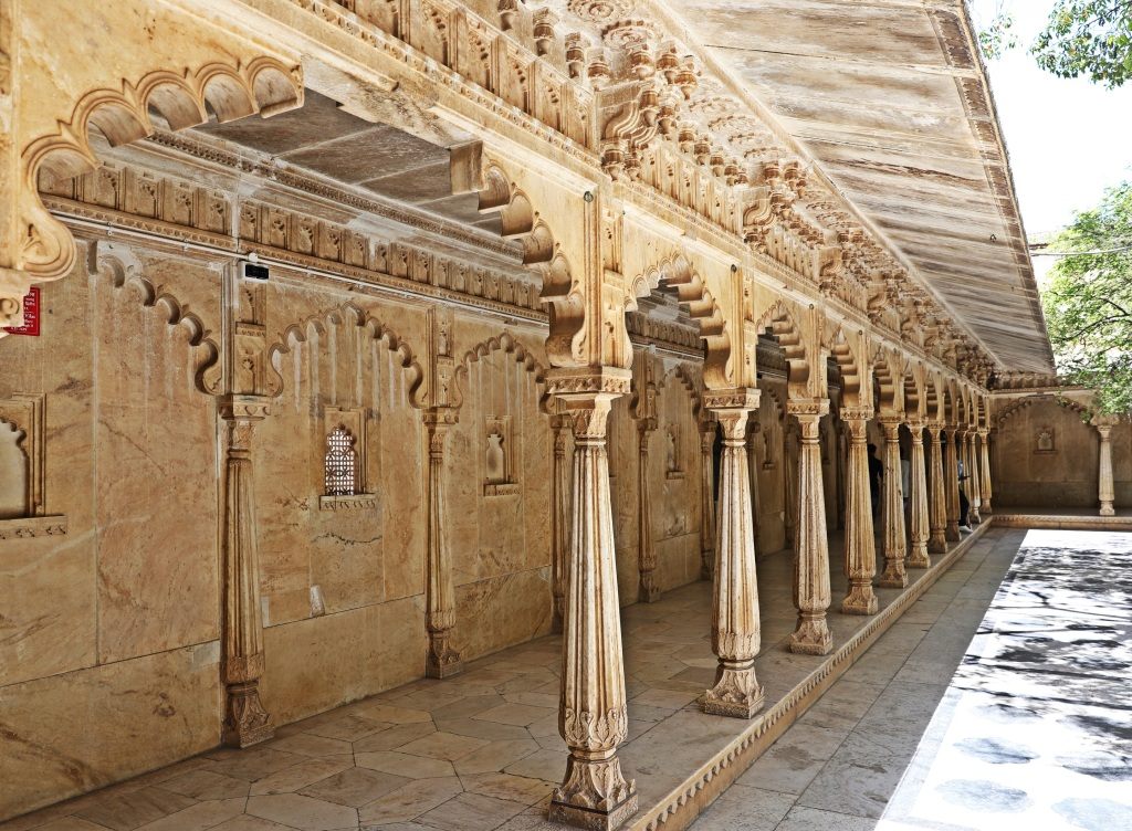 Covered walkway, Badi Mahal, City Palace, Udaipur