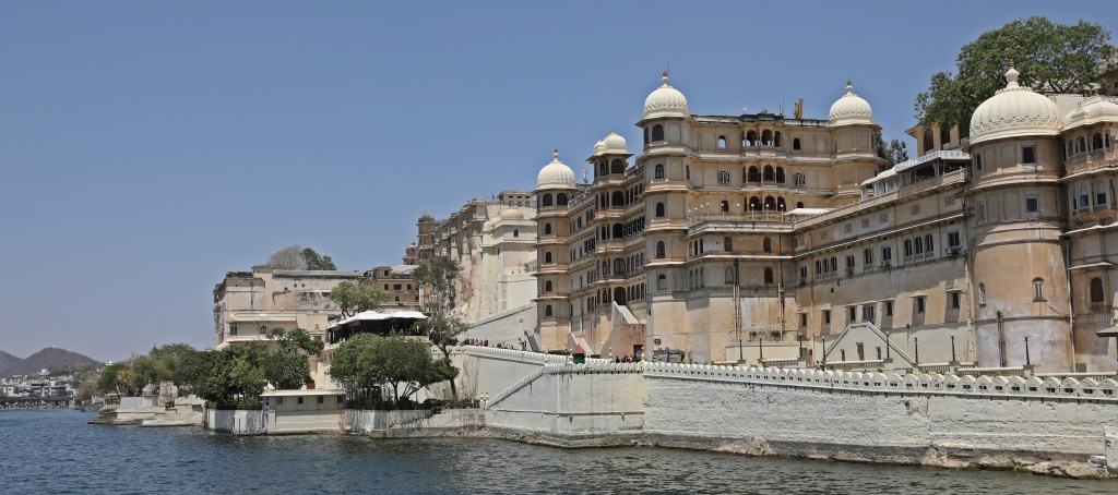 Fateh Prakash Palace Hotel on Lake PIchola