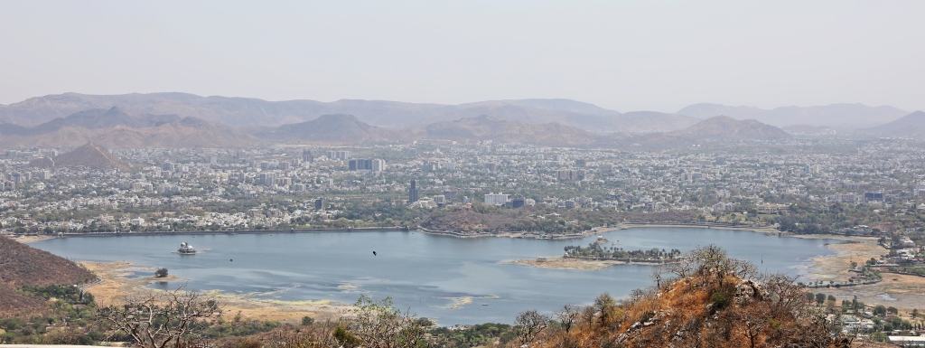 Udaipur surrounding Lake Pichola