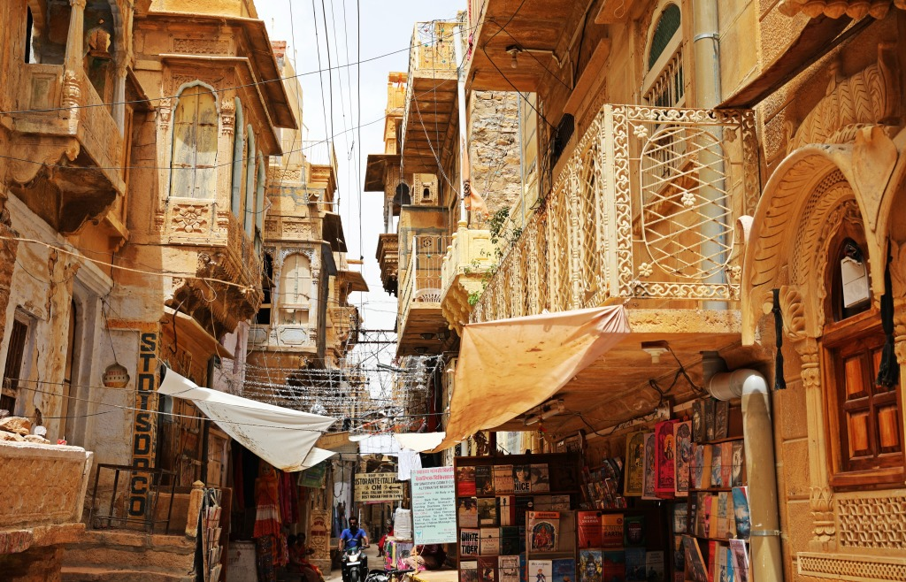 Narrow street, Jaisalmer Fort