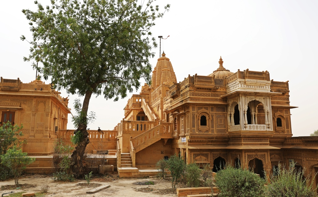Amer Sagar Temple