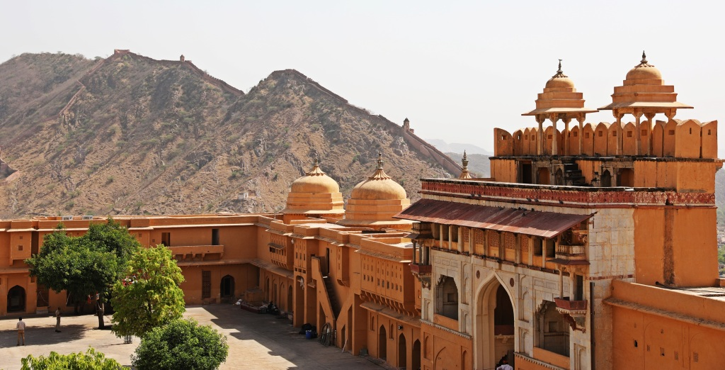 Jalebi Chowk and Sun Gate with wall on the hill above, Amer Fort