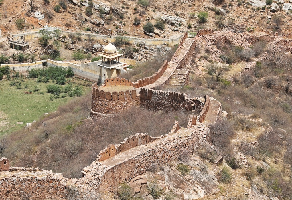 Amer Wall with a bastion