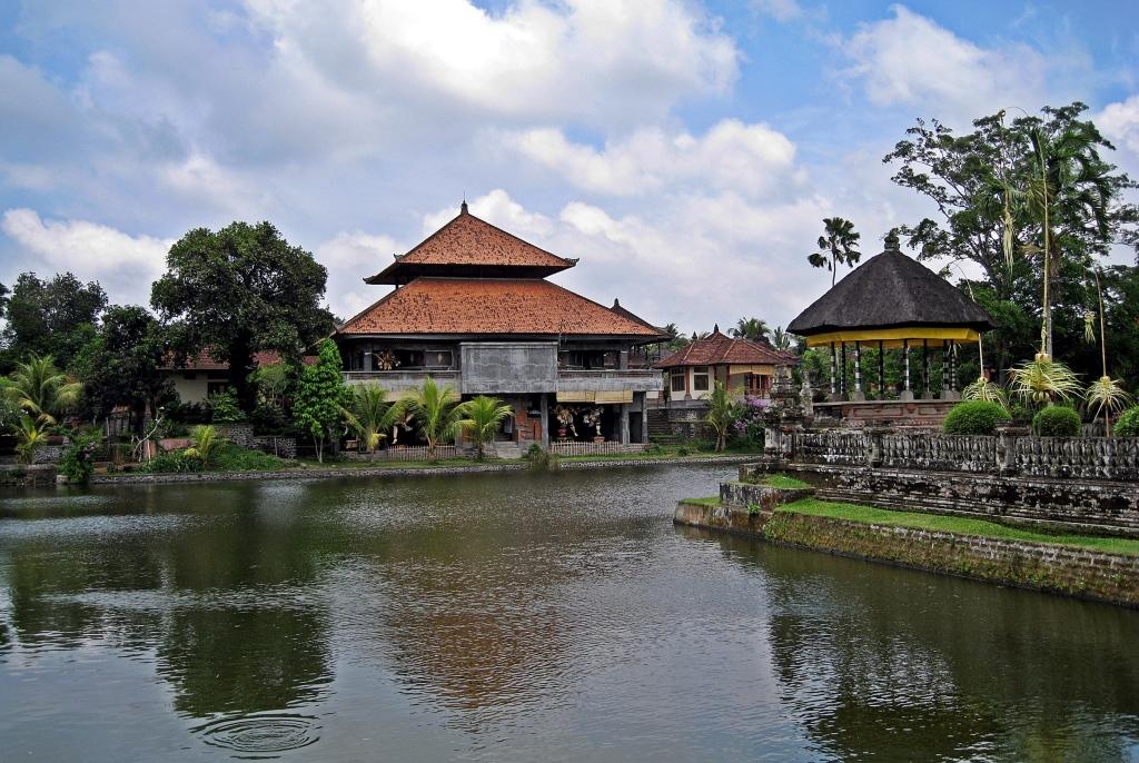 Moat, Taman Ayun Temple, Bali