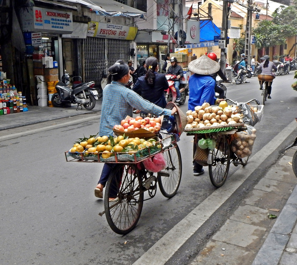 Fruits and vegetable sellers, Hanoi