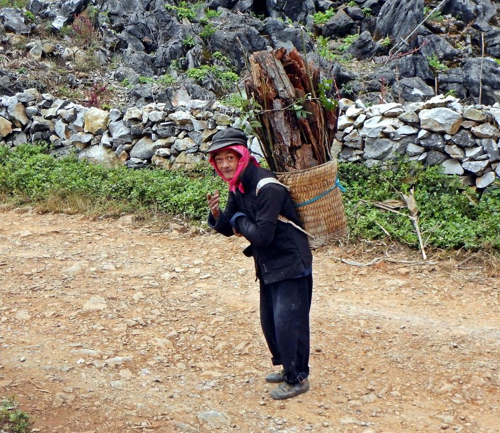 Hmong man, Dong Van Plateau