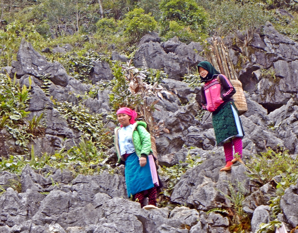 Hmong women, Dong Van Plateau