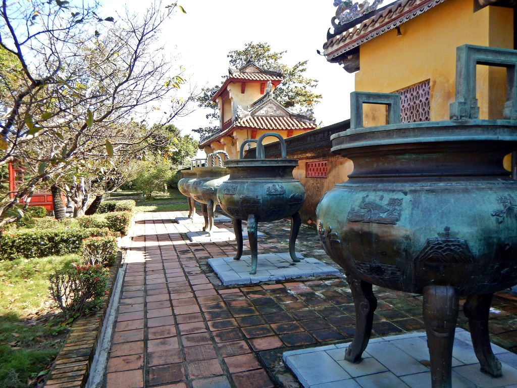 Tripod cauldrons, The Citadel, Hue