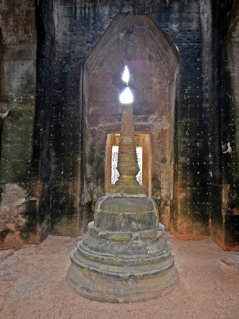 Stupa as a candle, Preah Khan