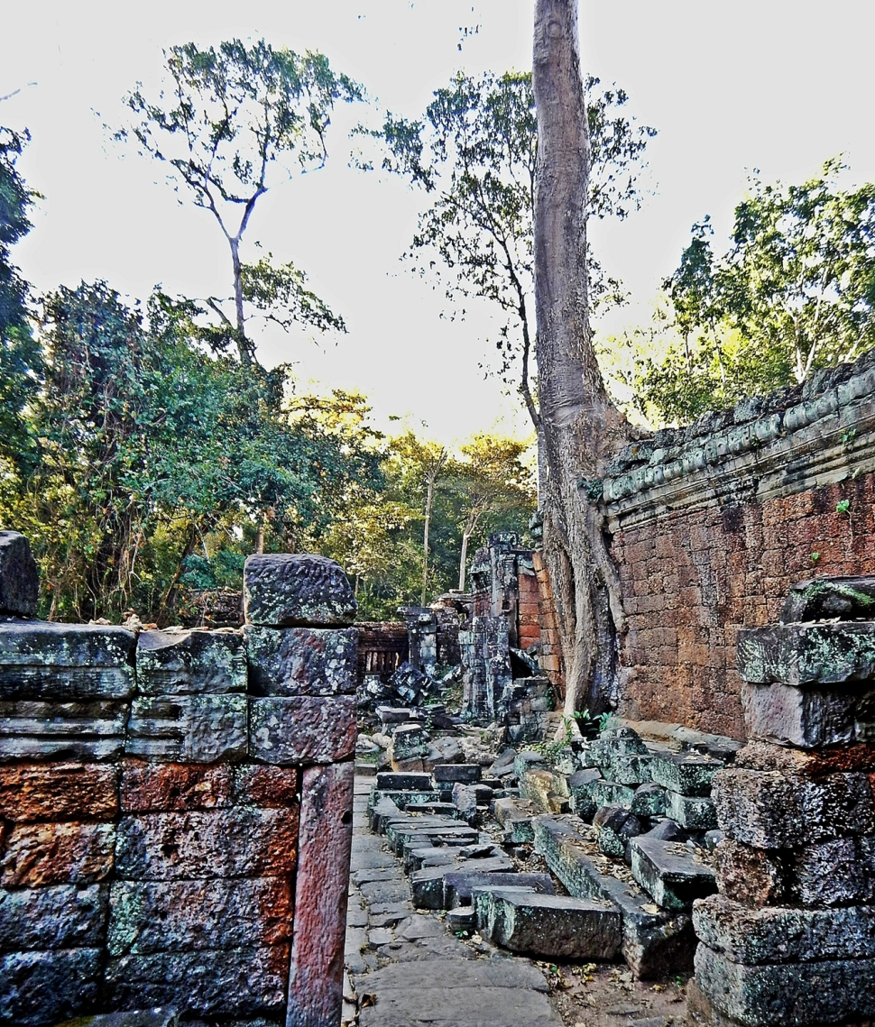 Outer wall, Preah Khan