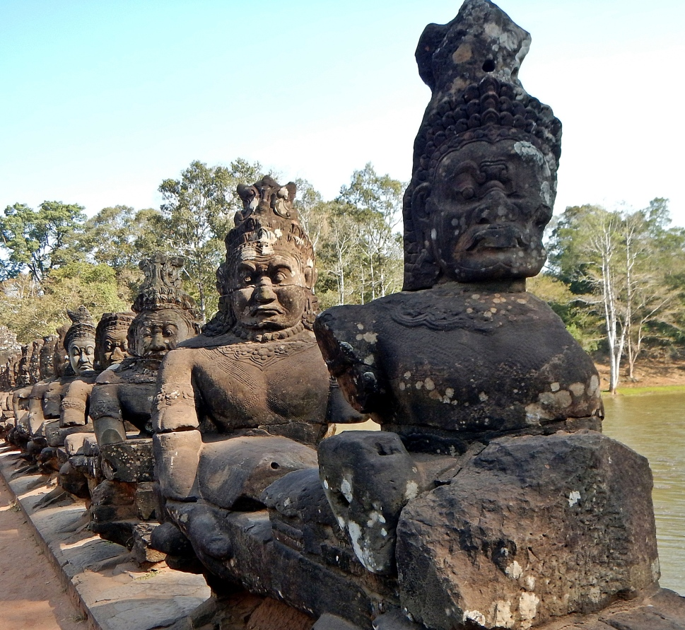 Bridge to Angkor Thom