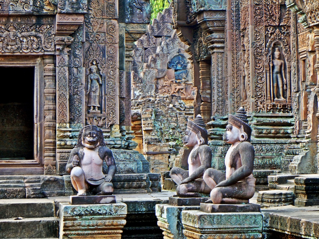 Monkey guards, Banteay Srei